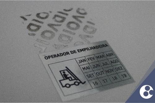 Adesivos de segurança para máquinas