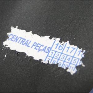 Lacre adesivo destrutível